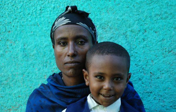 HailieYesus and his Mom, Yisegedu:EHE175