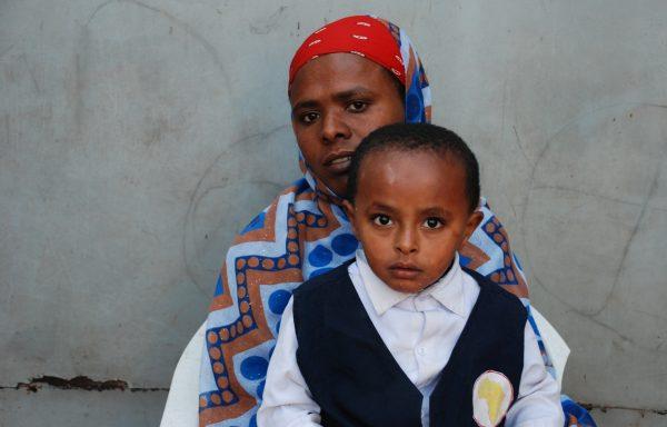 Dawit and his Mom, Kenubush: EHE187